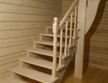 Столб пригласительный лестница балясины