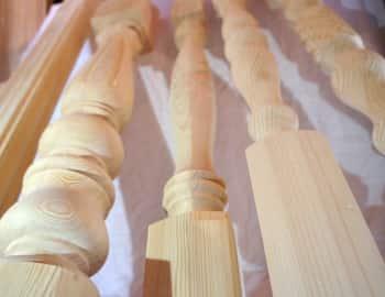 столб для лестницы фигурный