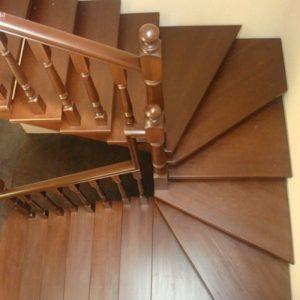 Лестница деревянная «Тайга 31»